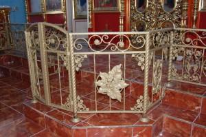 Кованые ворота на амвоне
